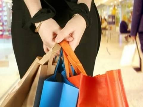 Η καταναλωτική εμπιστοσύνη Ελλήνων αυξήθηκε το δεύτερο τρίμηνο 2013