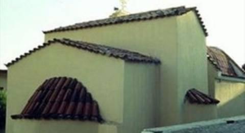 Ρόδος: Έμπαινε σε εκκλησίες και έκλεβε τα τάματα