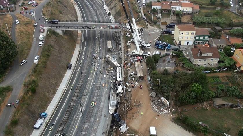 Σιδηροδρομική τραγωδία: Ο μηχανοδηγός φρέναρε καθυστερημένα