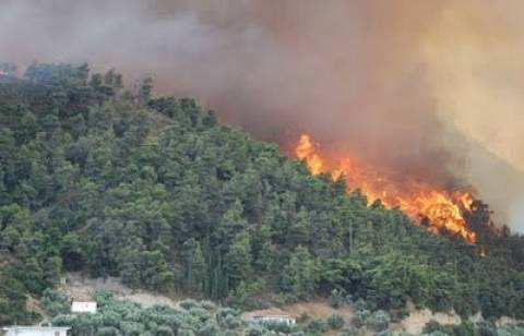 Μεγάλες ζημιές από φωτιά στο σαλέ του χιονοδρομικού κέντρου Μαινάλου
