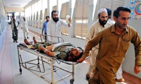 Πακιστάν: Τουλάχιστον 18 θάνατοι από νοθευμένα ποτά