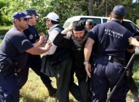 Νέα επέμβαση της αστυνομίας στη Μονή Εσφιγμένου