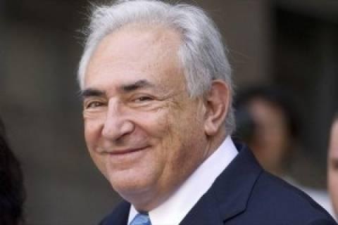 Και σύμβουλος της Σερβικής κυβέρνησης ο Στρος Καν