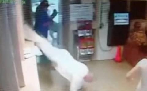 Βίντεο: Απέδρασε από την φυλακή, απλά πηδώντας από το παράθυρο