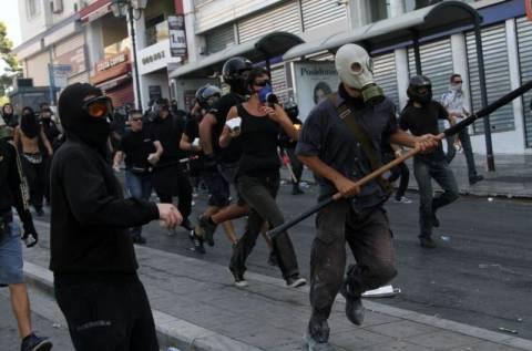 Υποψήφιος βουλευτής του ΣΥΡΙΖΑ «συλλέγει» ρόπαλα ενόψει… Σεπτέμβρη!