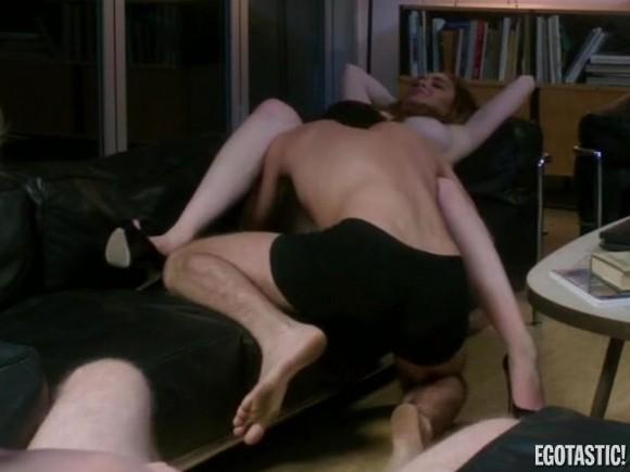 Δείτε τις πρώτες γυμνές εικόνες της Lohan από τη νέα της ταινία