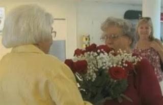 Συναντήθηκαν για πρώτη φορά μετά από 74 χρόνια και 3.000 γράμματα!