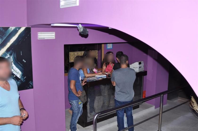 Έφοδος της Οικονομικής Αστυνομίας σε κλαμπ στην Χαλκιδική (βίντεο)