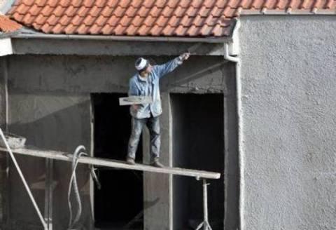 Οικοδόμοι καταπλακώθηκαν από τοίχο στην Εύβοια την ώρα του σεισμού