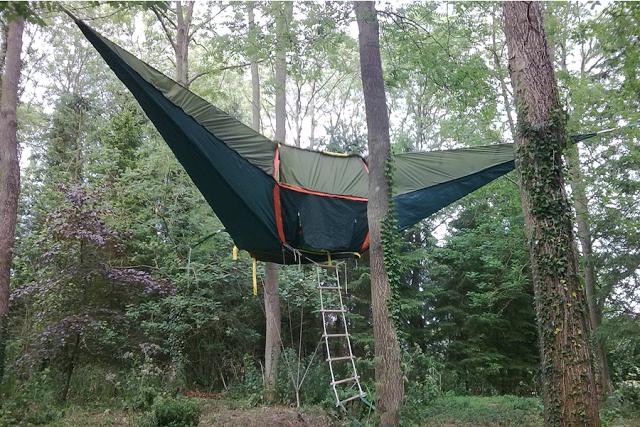 Η νέα μόδα στο Camping λέγεται: Κρεμαστή Σκηνή! (pics)