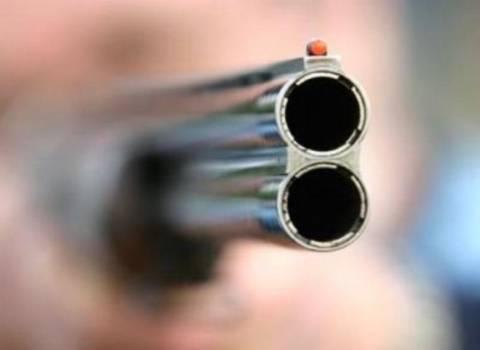 Νεαρός αυτοπυροβολήθηκε μέσα σε νεκροταφείο