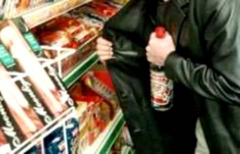 Έκλεψε ποτά από το σουπερμάρκετ και κατέληξε με χειροπέδες