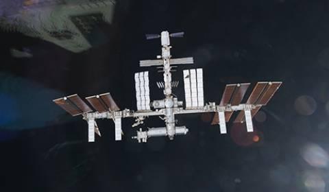 Το ιαπωνικό διαστημόπλοιο συνδέθηκε στο ΔΔΣ