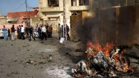«Λουτρό αίματος» στο Ιράκ από έκρηξη παγιδευμένου αυτοκινήτου