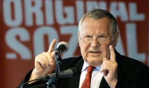 Απεβίωσε ο ιστορικός ηγέτης της γερμανικής Αριστεράς Λόταρ Μπίσκι