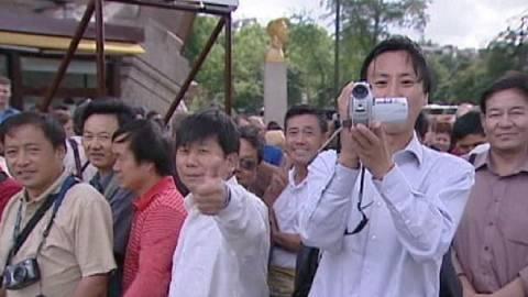 Κινέζος αγόρασε μεζονέτα στην Κάντζα και του έδωσαν άδεια παραμονής