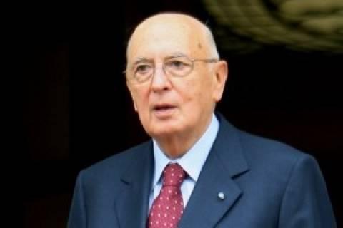 Ναπολιτάνο προς Μπερλουσκόνι: Σεβάσου την απόφαση το δικαστηρίου
