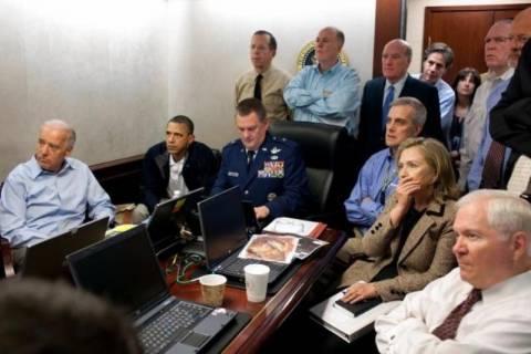 Ο Ομπάμα έπαιζε χαρτιά κατά την επιχείρηση εξόντωσης του Μπιν Λάντεν