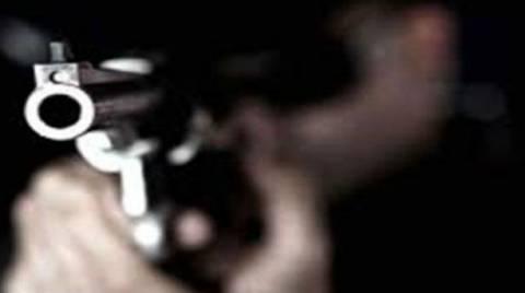 ΣΟΚ: Πυροβόλησε έγκυο σκυλίτσα