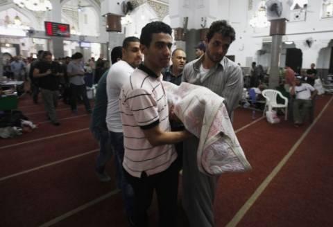 ΣΟΚ: Σκηνοθετούν φωτογραφίες με τραυματίες οι Αδελφοί Μουσουλμάνοι