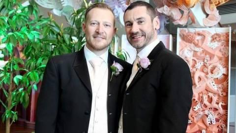 Πραγματοποιήθηκαν οι πρώτοι γάμοι ομοφυλοφίλων στη Nέα Ζηλανδία