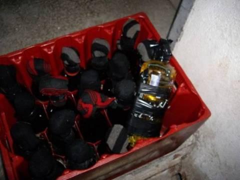 Αλλες 13 βόμβες μολότοφ βρέθηκαν στο Αριστοτέλειο