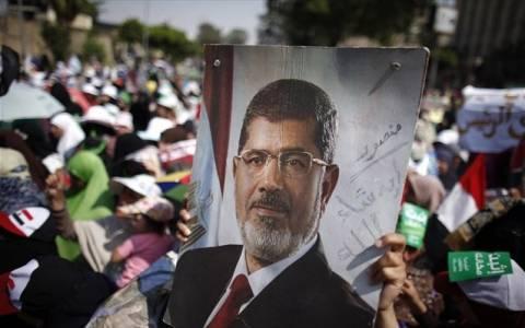 Αίγυπτος: Παρατείνεται κατά 15 ημέρες η κράτηση του Μόρσι
