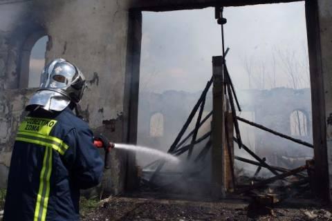 ΤΩΡΑ: Πυρκαγιά σε αποθήκη στον Γέρακα