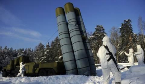 Ο ρωσικός Στρατός παρήγγειλε φουσκωτά πυραυλικά συστήματα S-300