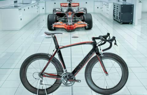 H McLaren το γύρισε στα... ποδήλατα