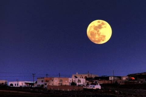 Ωραίο το αυγουστιάτικο φεγγάρι αλλά αστρονομικά... μικρό