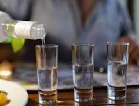 ΕΛΣΤΑΤ: Μείωση παραγωγής  βιομηχανίας αποσταγμένων αλκοολούχων ποτών