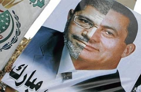 ΗΠA: Δεν τους απασχολεί ο Μουμπάρακ - Επιμένουν για Μόρσι