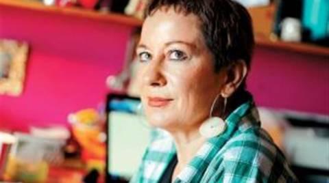 Λένα Διβάνη: Έκλεισε το Facebook μετά τον σάλο με τον 19χρονο