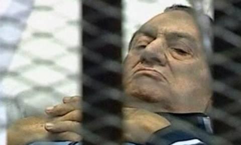 Αίγυπτος: Επαναλαμβάνεται η δίκη του Μουμπάρακ