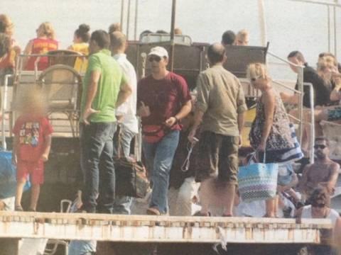 Οι διακοπές του Τσίπρα στους Αντίπαξους
