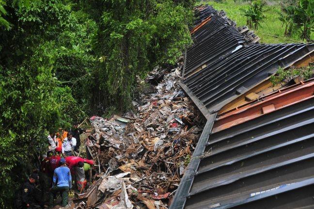 Μεξικό: Εκτροχιάστηκε τρένο με λαθρομετανάστες (pics)