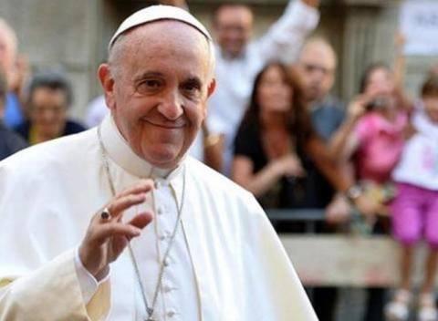 Ο πάπας Φραγκίσκος τηλεφώνησε σε θύμα βιασμού
