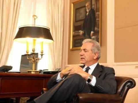 Συναντήσεις Αβραμόπουλου με Πρέσβεις των Η.Α.Ε. και της Αυστραλίας