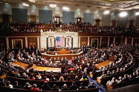 ΗΠΑ: Επιχειρήματα για τη Συρία ζητάει το Κογκρέσο από τον Ομπάμα