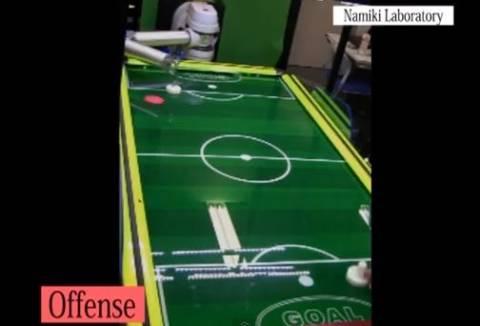 Βίντεο: To ρομπότ που παίζει air -hockey και δεν χάνει ποτέ!