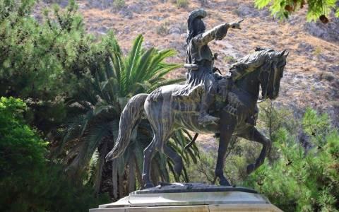 Ναύπλιο  Ξεκινούν έργα αποκατάστασης του αγάλματος του Θ. Κολοκοτρώνη -  Newsbomb - Ειδησεις - News 9b5fd05d697