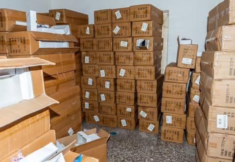 Ταύρος: Αποθήκη «έκρυβε» προϊόντα απομίμησης