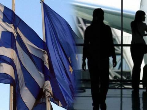 Συνεχίζεται με αμείωτους ρυθμούς η μετανάστευση στο εξωτερικό