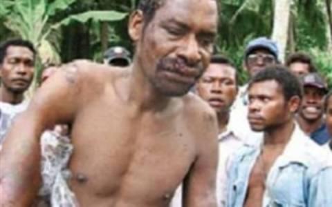 Χτύπησαν και μαχαίρωσαν μέχρι θανάτου το βιαστή «Μαύρο Ιησού»
