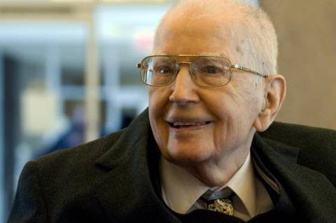 Πέθανε σε ηλικία 102 ετών ο βραβευμένος με Νόμπελ Ρόναλντ Κόαζ