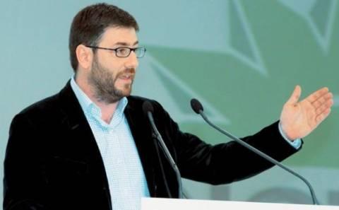 Ανδρουλάκης: Όχι δεκανίκι, ούτε της δεξιάς ούτε του ΣΥΡΙΖΑ, το ΠΑΣΟΚ