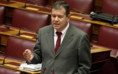 Να αποκτήσει η Βουλή εικονοστάσιο ζητεί ο Κ. Γιοβανόπουλος