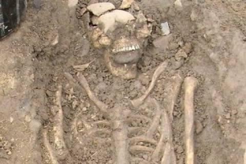 Και δεύτερο σκελετό «βαμπίρ» ανακάλυψαν οι αρχαιολόγοι