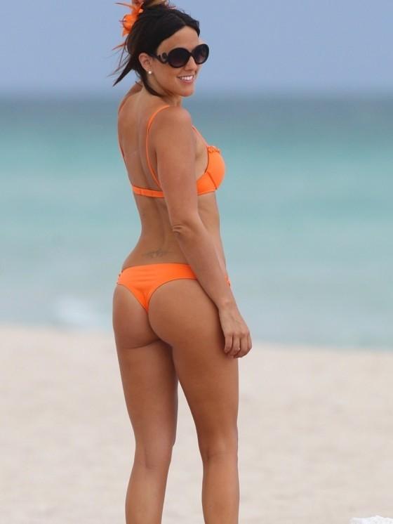 «Φωτιά» στα πορτοκαλί η Claudia!